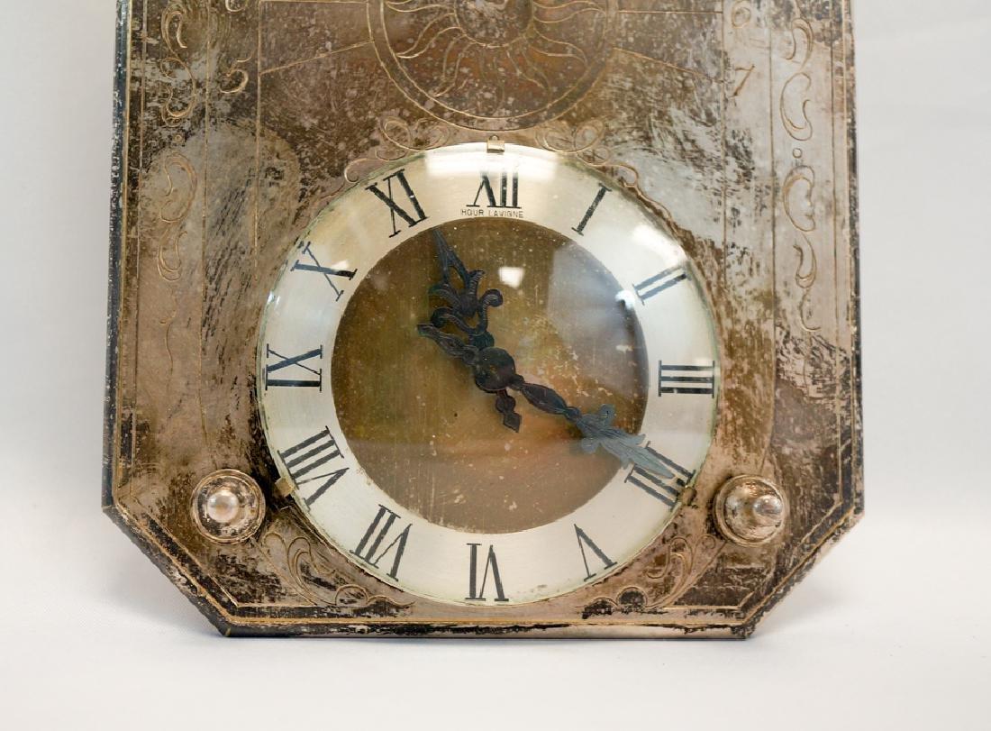 A Table Clock Hour Lavigne Sundial - 3