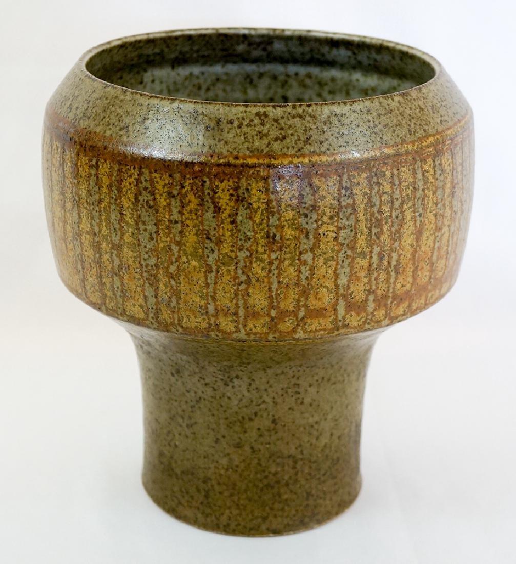 Robert Maxwell Studio Pottery