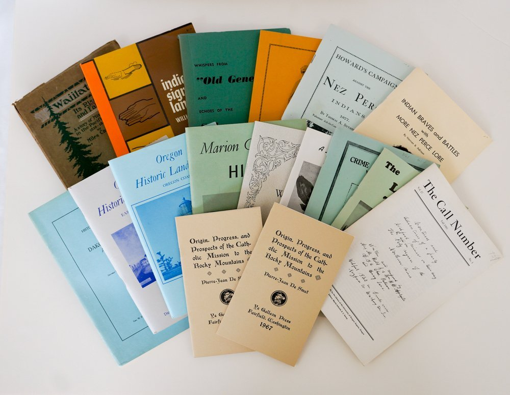 Group of Seventeen Inland NW Booklets.
