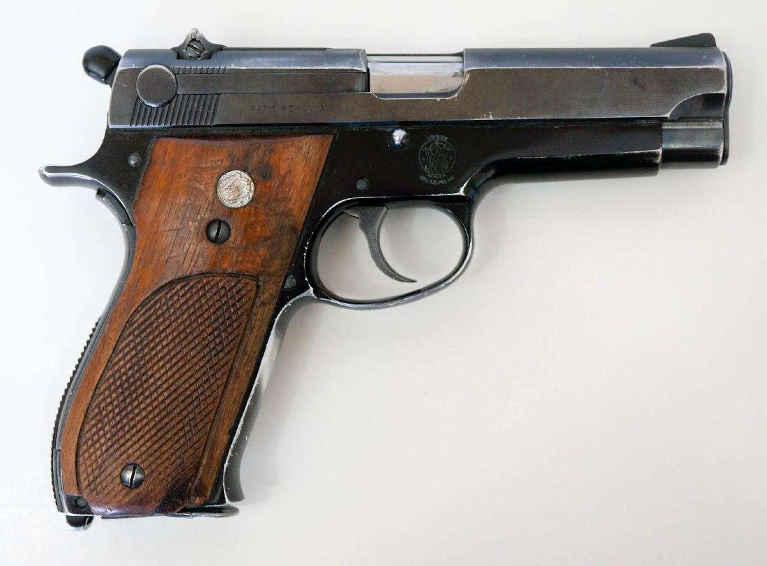 Smith & Wesson Model 39 Pistol - 2