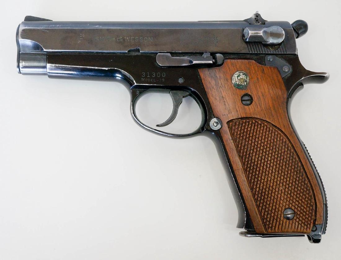 Smith & Wesson Model 39 Pistol - 3