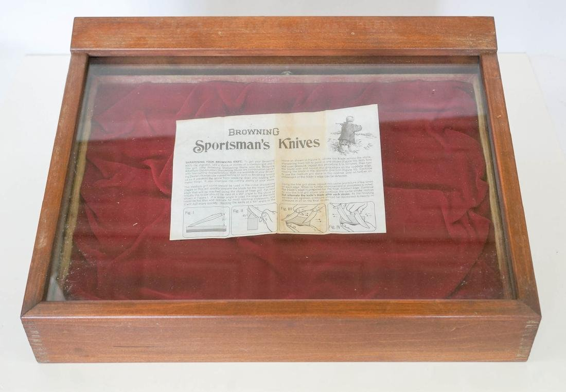 Browning Knives Countertop Store Display Case