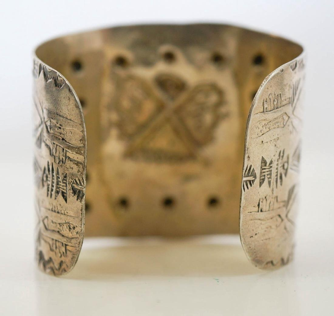 An Old Native American Sterling Cuff Bracelet - 3