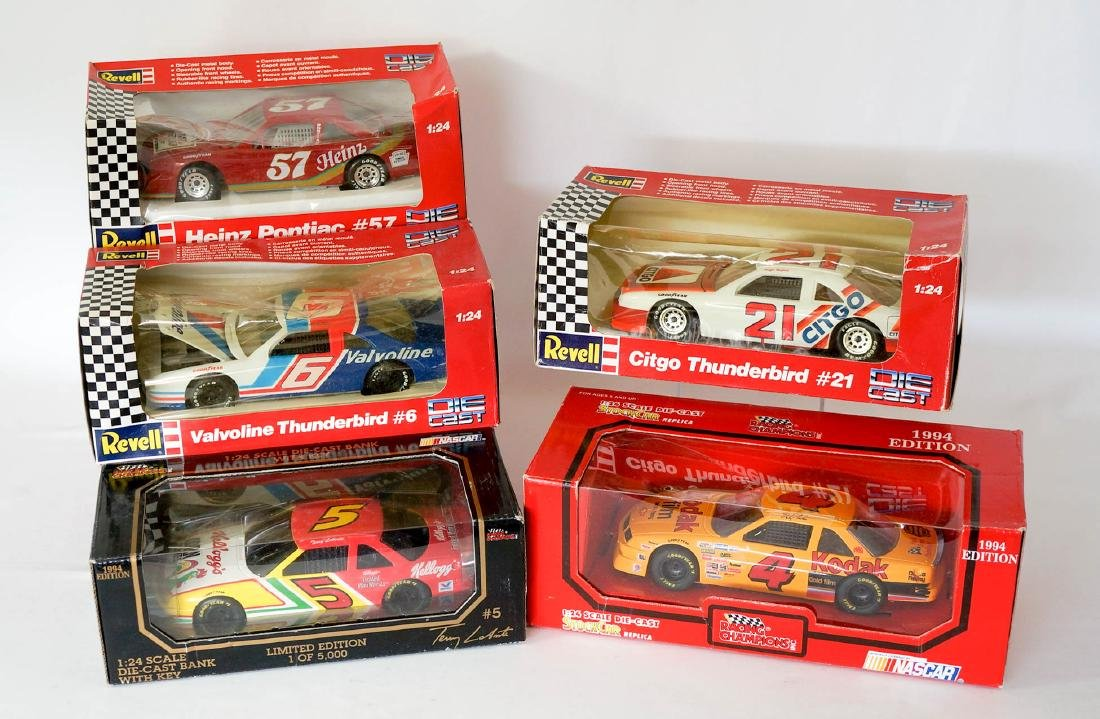 Group of 5 Die-Cast Cars