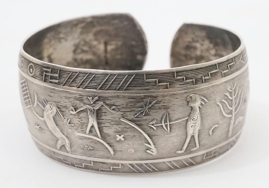 A Fine Vintage Sterling Native American Bracelet