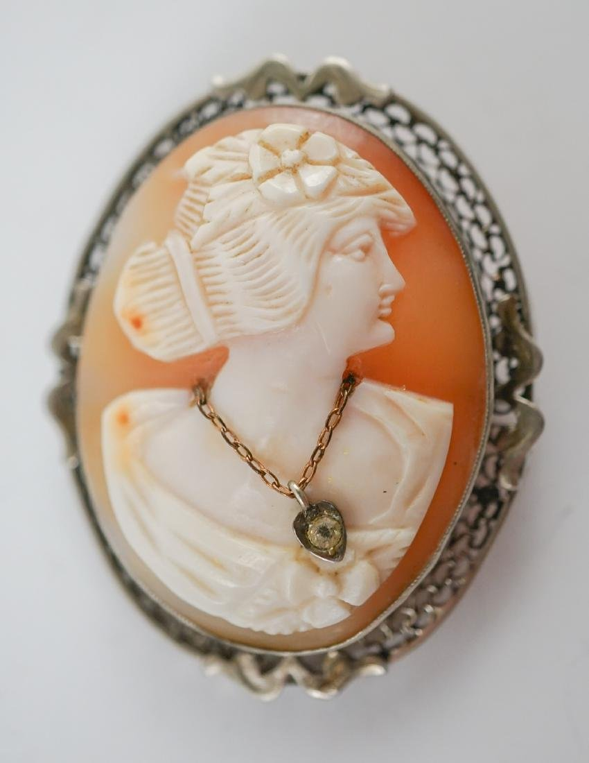 Two Antique Cameo Brooches - 2