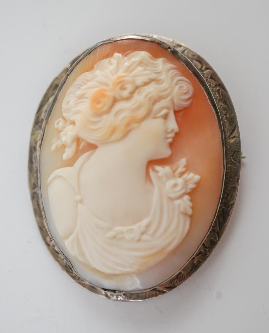 Two Antique Cameo Brooches - 4