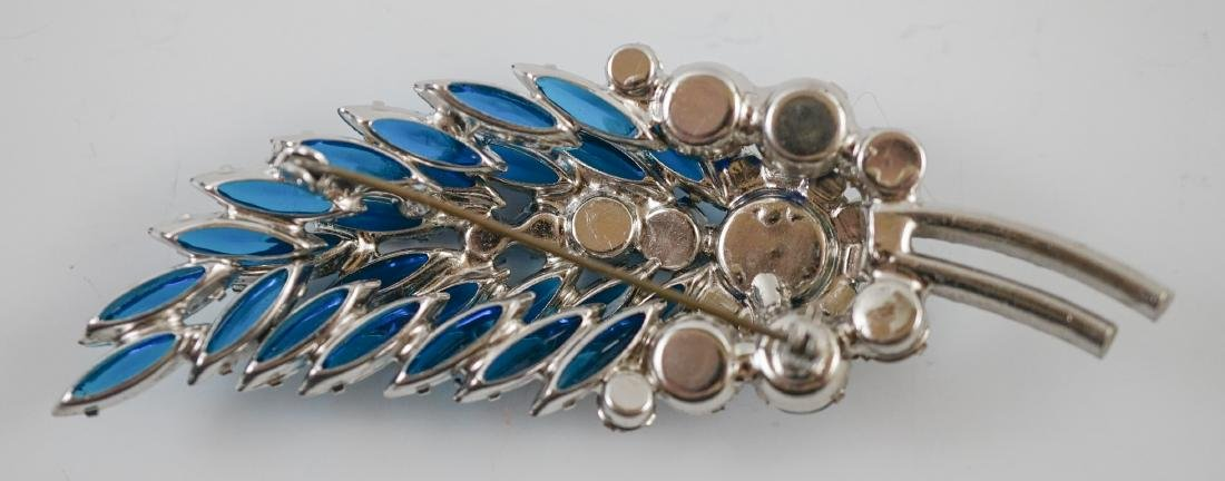 Four Vintage Costume Brooches - 3