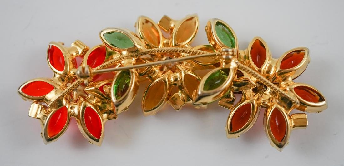 Four Vintage Costume Brooches - 5