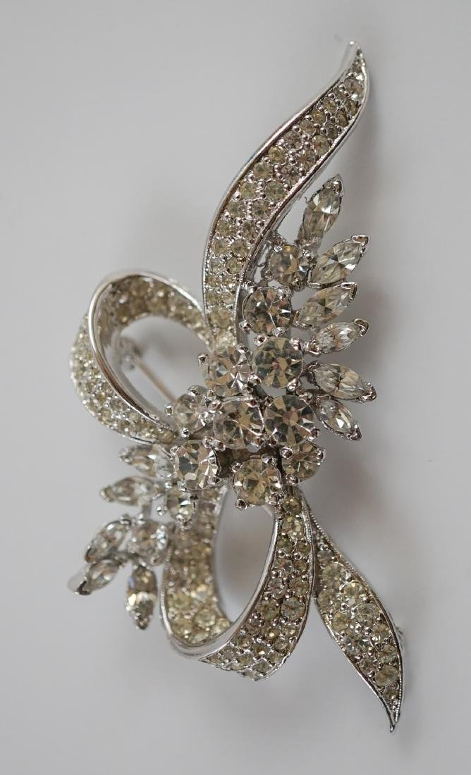 Six Vintage Costume Pins and Brooches - 6