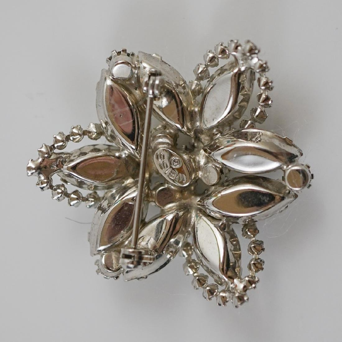 Six Vintage Costume Pins and Brooches - 9