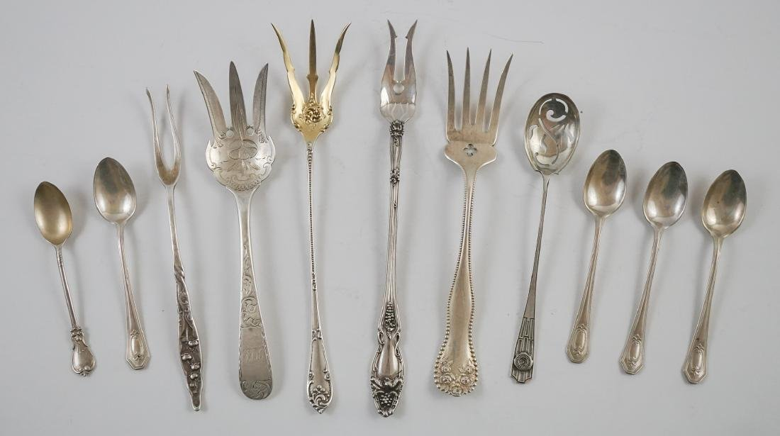 A Group of Fancy Sterling Serving Pieces, 7.2 ozt