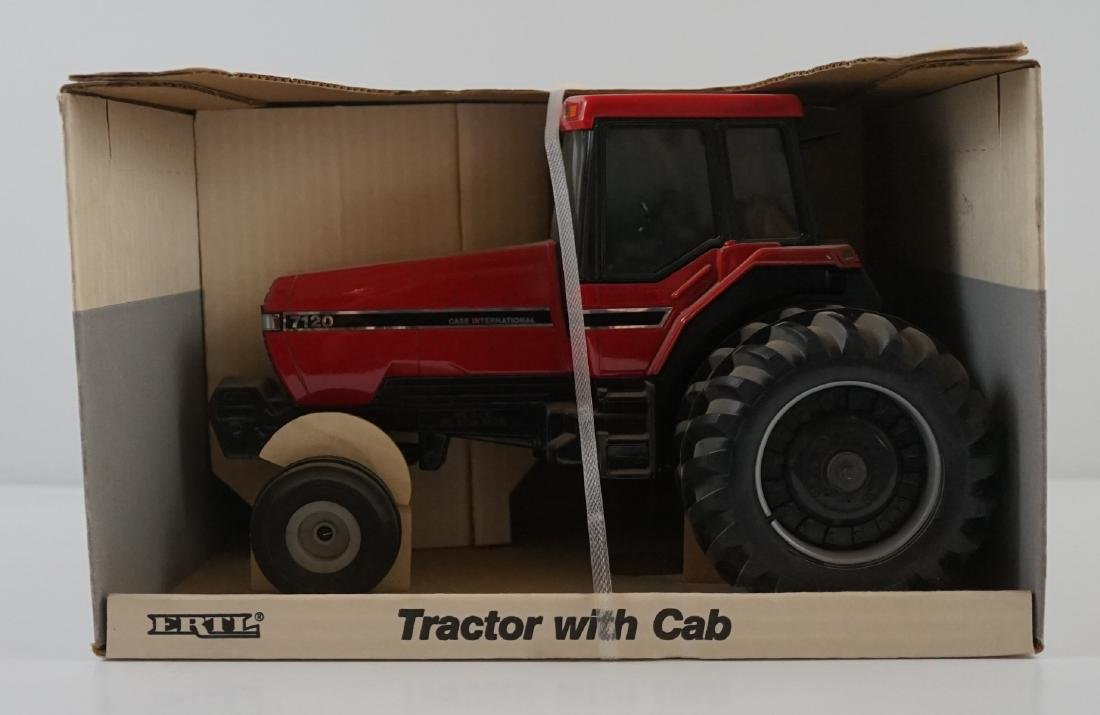 Ertl Case IH 7120 Tractor With Cab MIB
