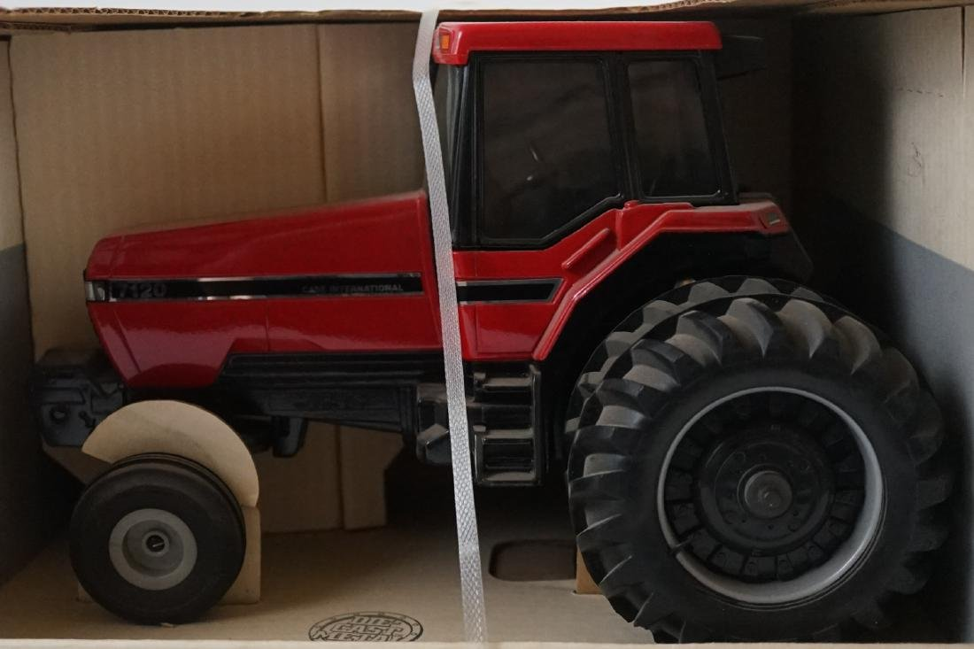 Ertl Case IH 7120 Tractor With Cab MIB - 2