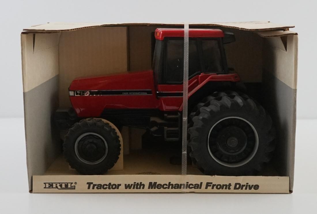 Ertl Case IH 7140 Tractor Mint in Box