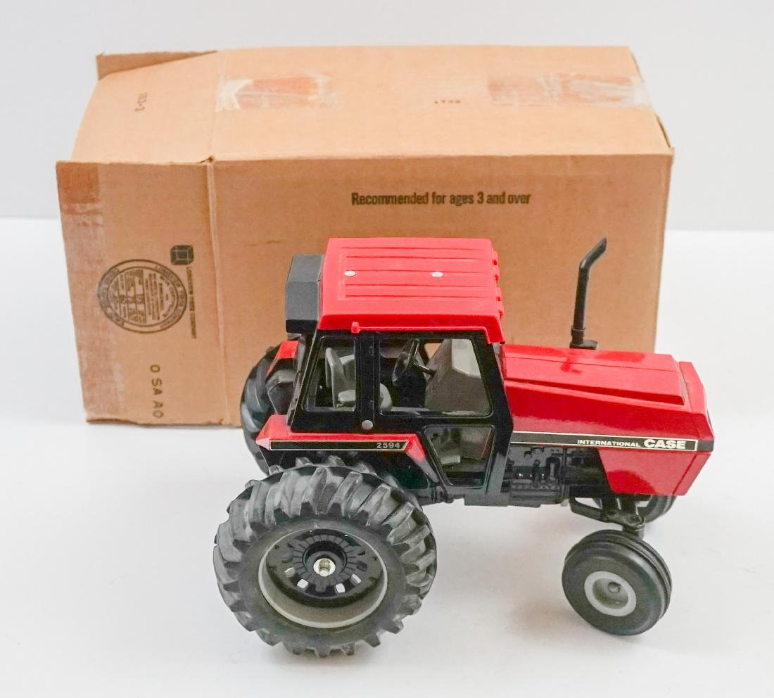 Ertl Case IH 2594 MIB 1:16 Scale Model
