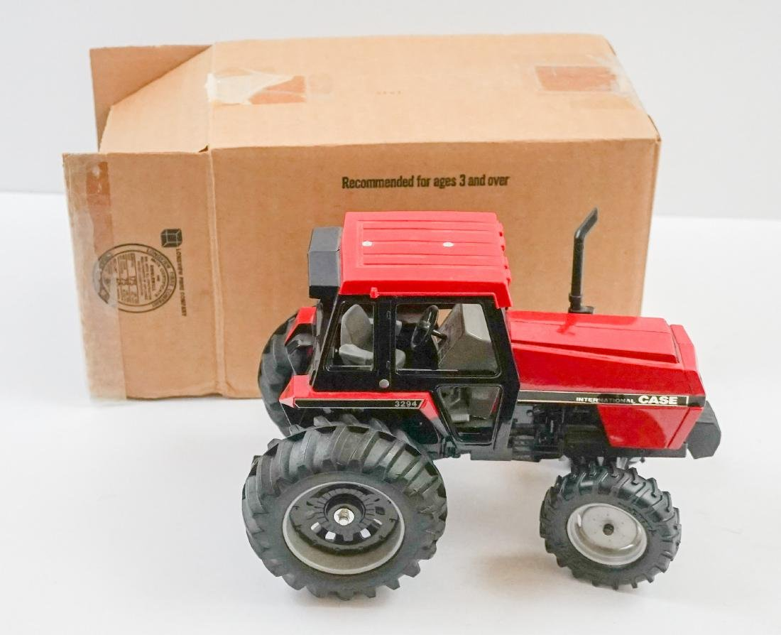 Ertl Case IH 3294 MIB 1:16 Scale Model