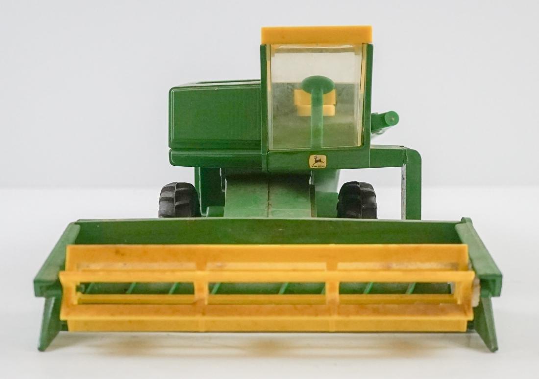 Vintage John Deere 1:16 Scale Model Combine - 3