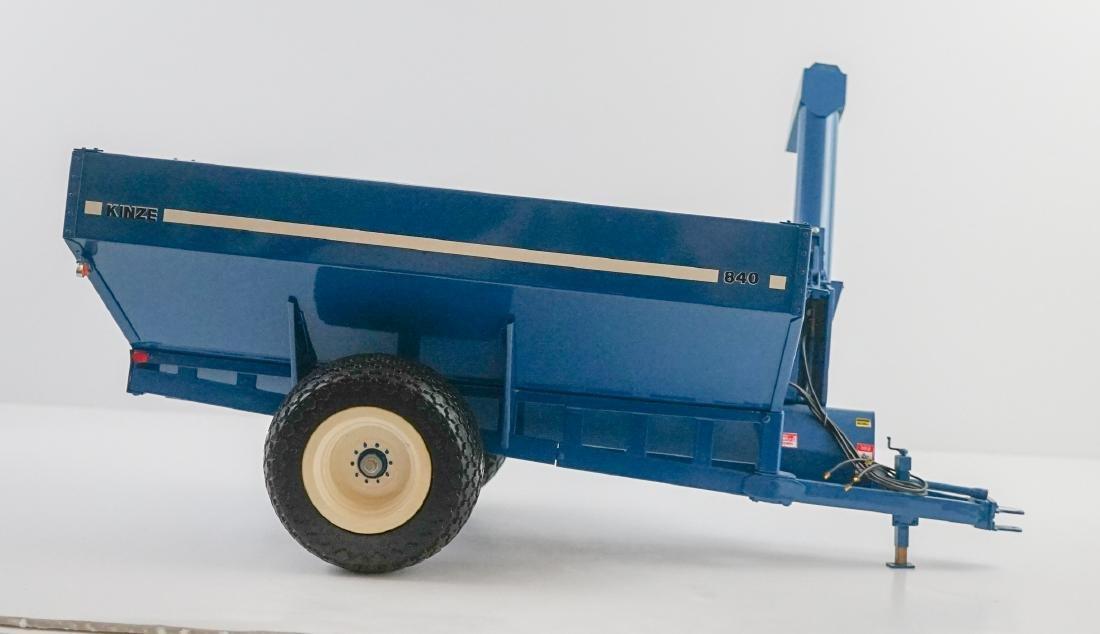 Kinze 1:16 Scale 840 Wagon NrMt/Mt - 2