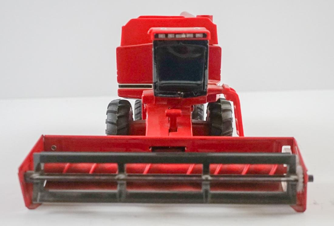 Case International Axial-Flow Combines 1:32 Scale - 3