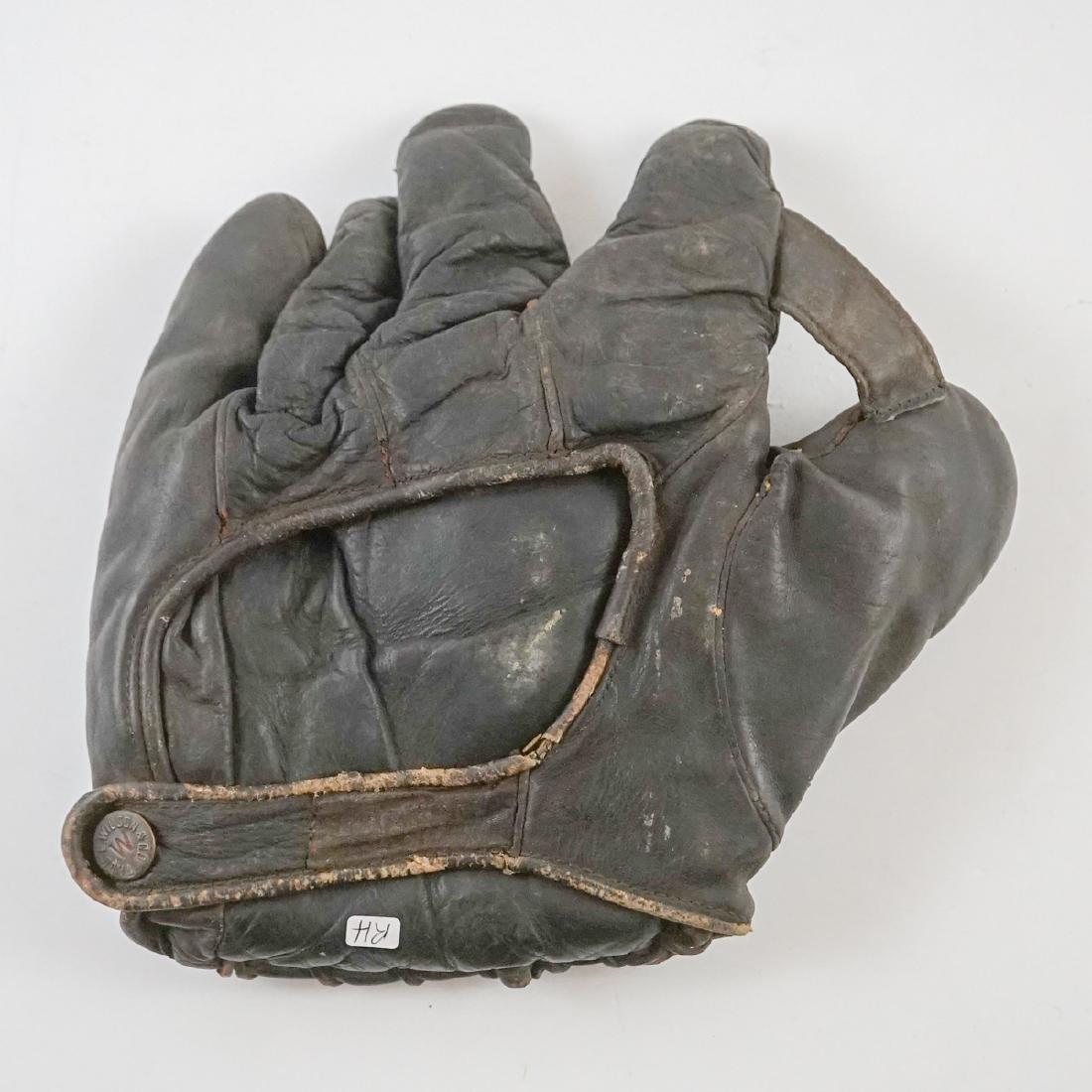 Harry Heilman Store Model Wilson Baseball Glove - 3