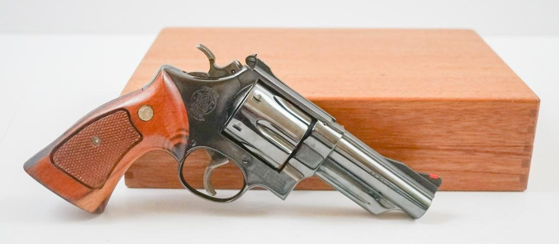 Smith & Wesson .44 Magnum with Box Model 29-2