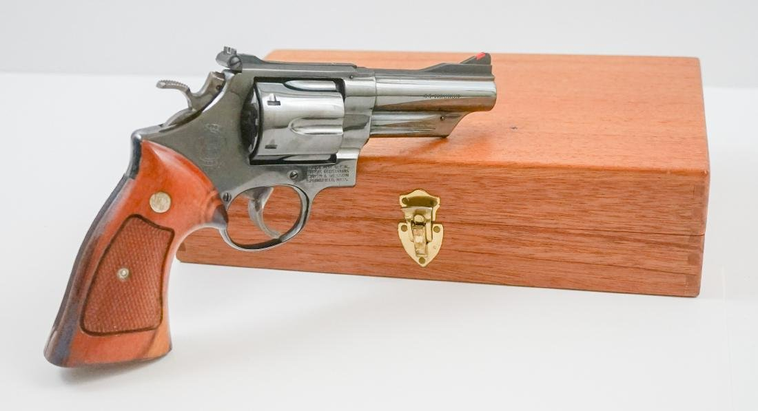 Smith & Wesson .44 Magnum with Box Model 29-2 - 2