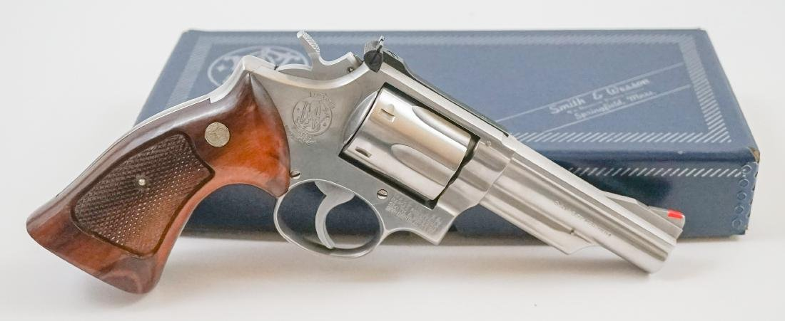 Smith & Wesson .357 Magnum Model 66 - 2