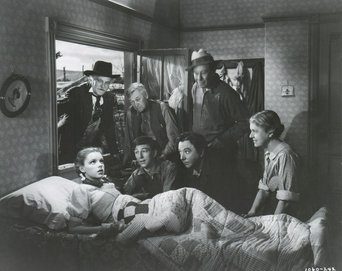1939 Judy Garland 'Wizard of Oz' Production Photo