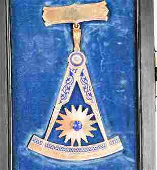 Antique 14k Gold Masonic Medal in Fitted Box