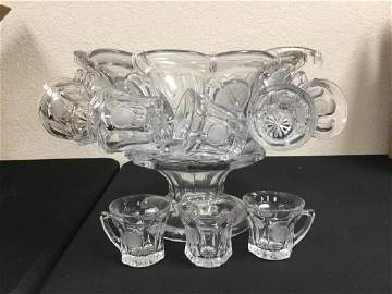 VINTAGE, BEAUTIFUL AND FLAWLESS 12 SERVING FOSTORIA