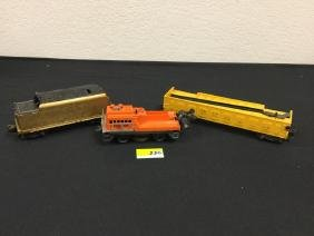 VINTAGE ASSORTMENT OF LIONEL RAIL CARS. ONE TRACK