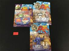 VINTAGE TOY STORY BUZZ LIGHTYEAR 3 COUNT. ONE PLATINUM,