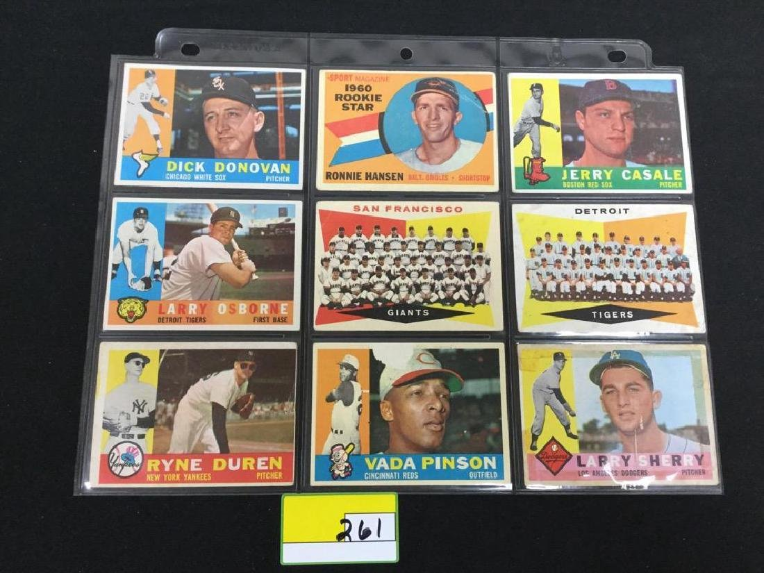 33 COUNT 1960 TOPPS BASEBALL CARDS. INCOMPLETE SET