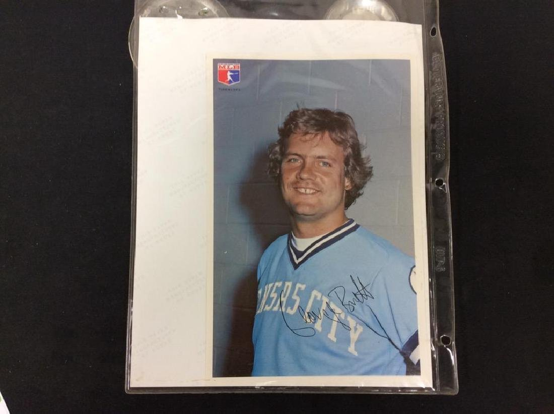 INCREDIBLE BONANZA OF GEORGE BRETT AUTOGRAPHS. BUTTONS - 4