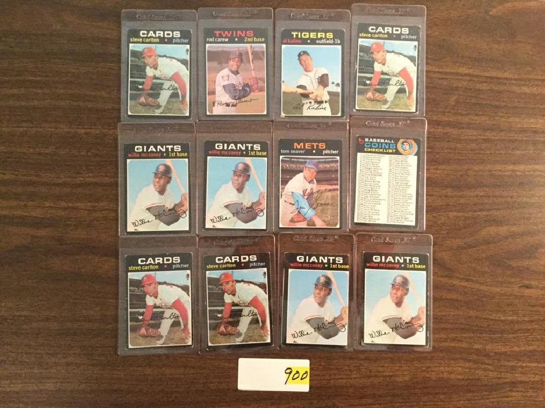 1971 TOPPS VINTAGE LOT OF 12.