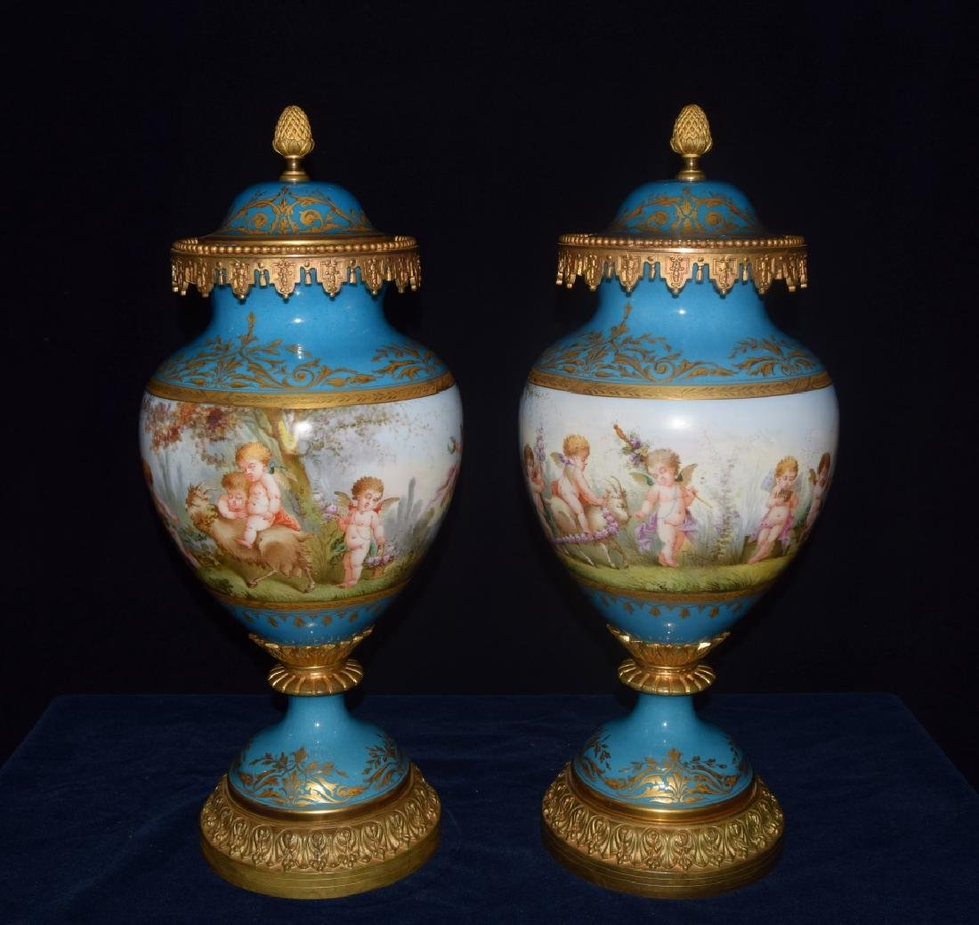 Superb Antique French French Louis XVI Urn
