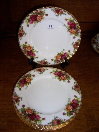 11: Royal Albert 'Old Country Roses'  6 Entrée Plates