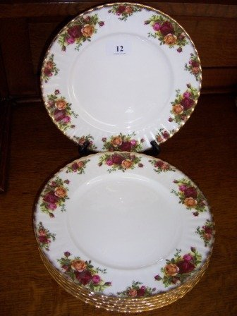 12: Royal Albert 'Old Country Roses'  6 Dinner Plates