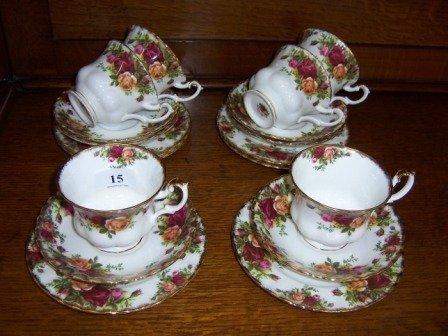 15: Royal Albert 'Old Country Roses' 6 Trios