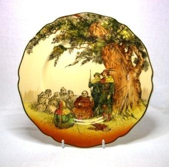 8: Royal Doulton 'Under the Greenwood Tree' Series Disp