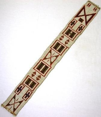 1216: Early North American Indian Bead Work Strap. Geom