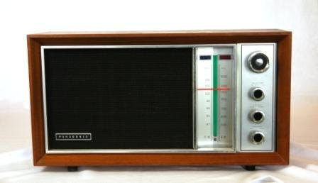 10: PANASONIC Timber Cased Mantel Radio. Circa 1960's.