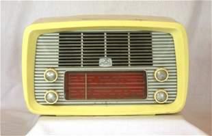 c.1950's HMV Little Nipper Cream Plastic Mantel Rad