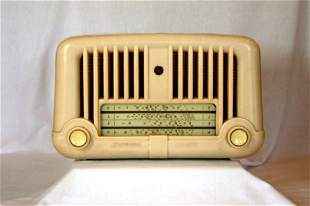 STROMBERG-CARLSON Cream Bakelite Mantel Radio. c.19