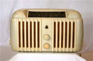 STROMBERG-CARLSON White Bakelite Mantel Radio. c.19