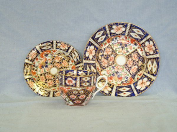 1018:  Derby Cup, Saucer & Plate c.1800. Japanese Imari