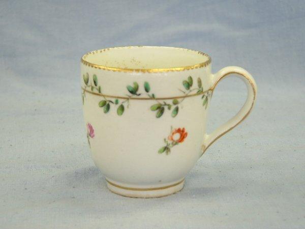 1024:  Chelsea Derby Tea Cup c.1780. Vine & floral deco