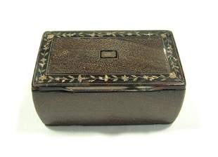 Early Tortoiseshell Lined Snuff Box. Metal floral i