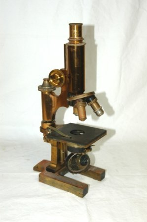 17: Wood Cased Microscope & Accessories. Microscope sta